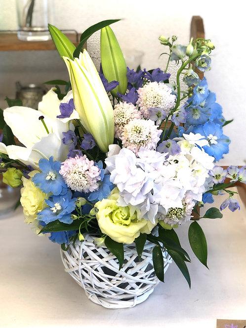 Memorial arrangement M