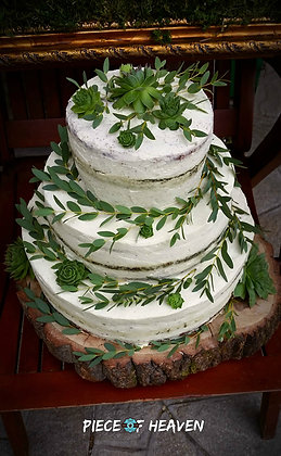 Сватбена боровинкова торта