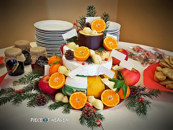 Торта от сирена, плодове и бели шоколадови мишлета