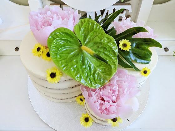 Пролетна цветна и ароматна торта на нива