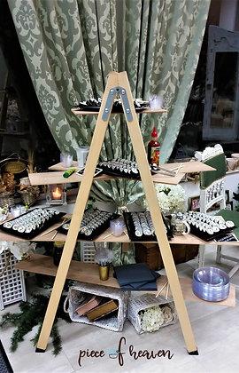 Бар-стълба с 4 вида суши - във Viktoria Bridal Studio, София