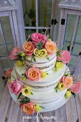 Сватбена торта с много цветя