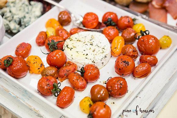 Запечени чери домати с козе сирене