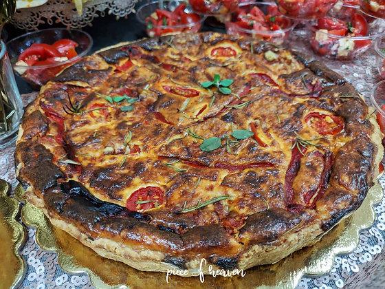 Киш с печени чушки и чери домати