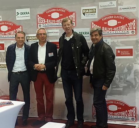 Jochi Kleint, Bernd Böing,Walter Röhrl und Christiane Geisdörfer auf dem Stand der Rosen-Rallye-Historic