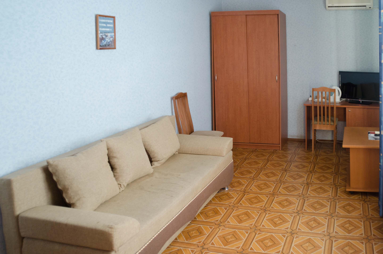 люкс трехкомн диван.jpg