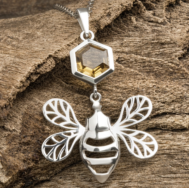 honeycomb-bee-necklace-design-martin-mar