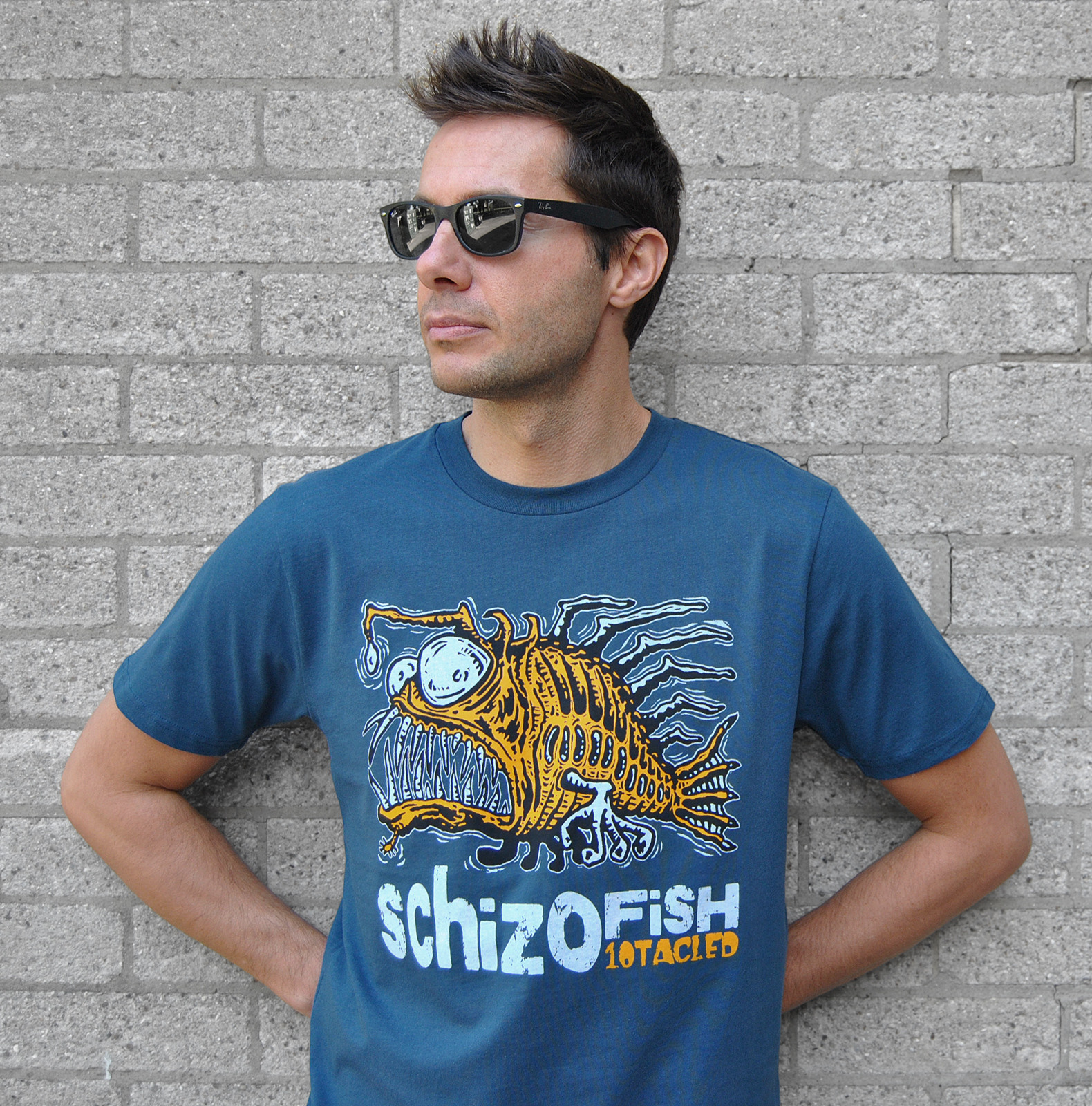 schizofish-tshirt-model-linocut-martin-m
