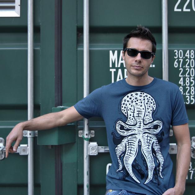 octopus-tshirt-model-martin-marcin-rezni