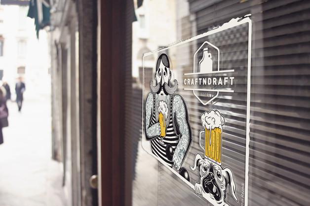 craftndraft-strongman-beer-window-sticke