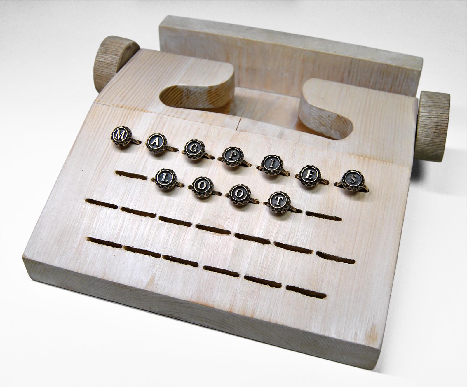 alphabet-jewellery-display-design-martin