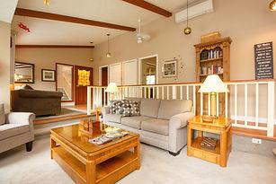 34-cottage-living-room.jpg