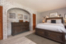 19-suite-master-bedroom.jpg