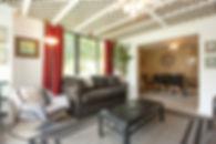 09-suite-living-room.jpg