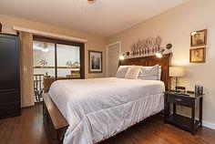 28-bedroom.jpg