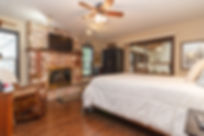 26-bedroom.jpg