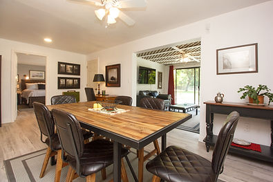 11-suite-dining-room.jpg