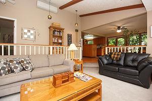 33-cottage-living-room.jpg