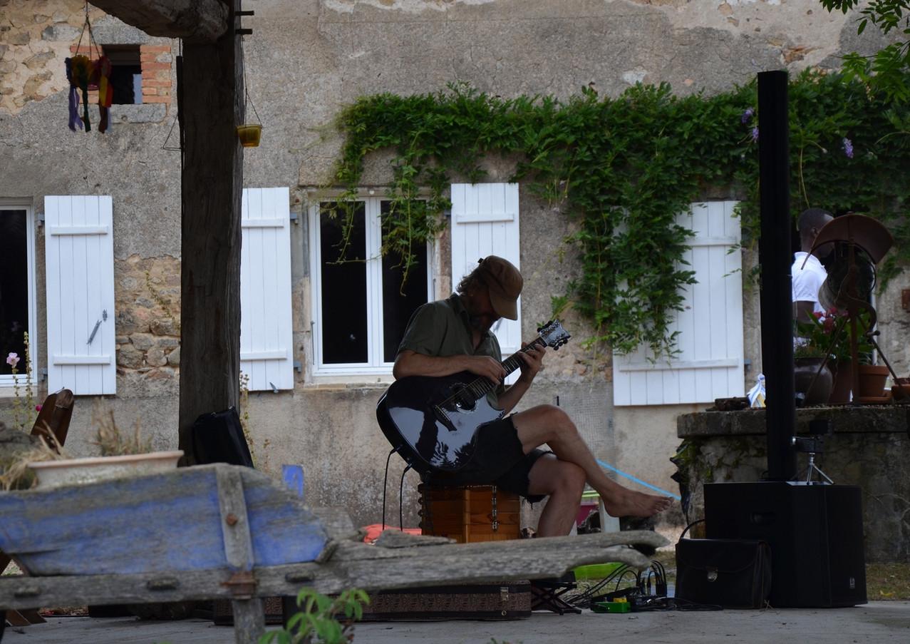 _EARL_Val_de_Chanedière-Marché_à_la_ferm