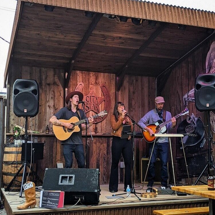 Mountain Rose Trio at BoCo Cider