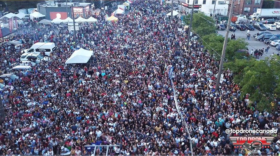 TASTE-OF-MANILA-crowd-5_edited.jpg