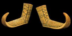 Bir çift ayakkabı biçimli rhyton