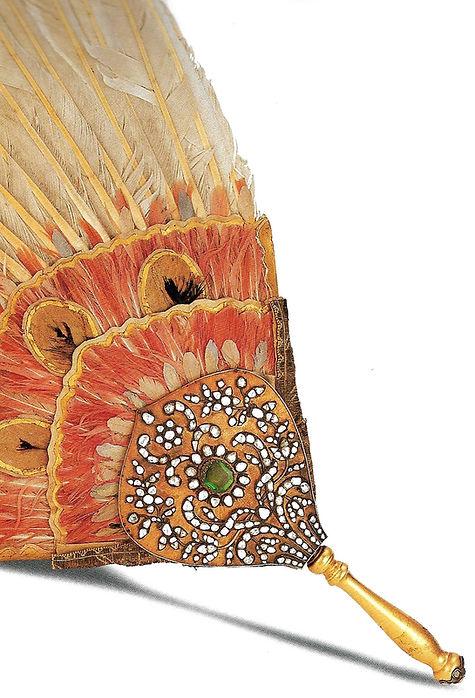 topkapı sarayı eserleri, yelpaze, yakut, altın sanatı, Türk sanatı, osmanlı, altın eşya