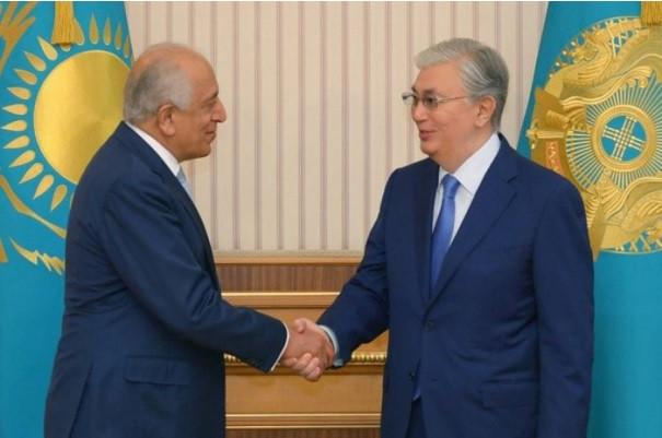 Tokayev, Zalmay Halilzade ile görüştü