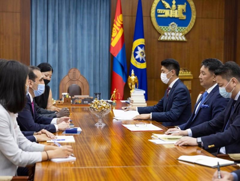 Moğolistan Devlet Başkanı Uhnaagiyn Hürelsüh, Dünya Bankası Grubu