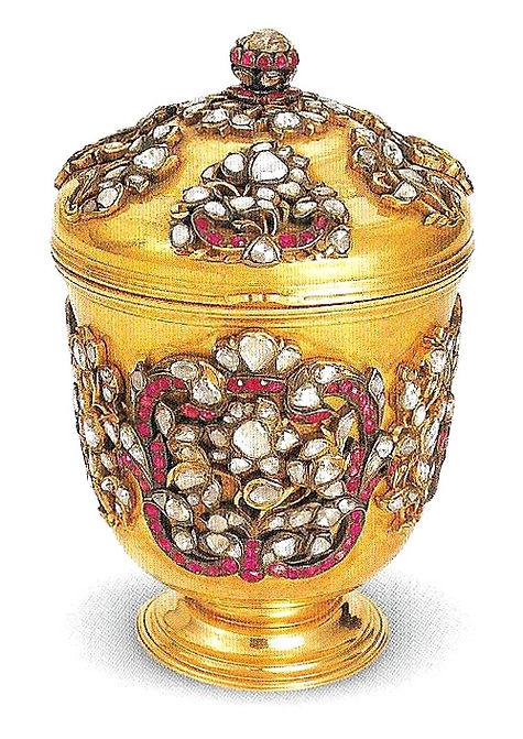 topkapı sarayı eserleri, altın tatlı hokkası, altın eşyalar, osmanlı sanatı, Türk sanatı