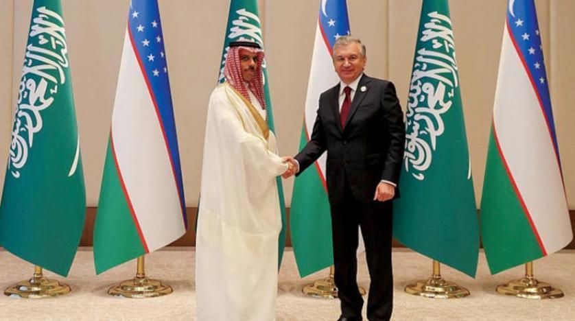 Özbekistan Cumhurbaşkanı Şevket Mirziyoyev Suudi Arabistan Dışişleri Bakanı Prens Faysal bin Ferhan bin Abdullah'ı kabul etti. (SPA)