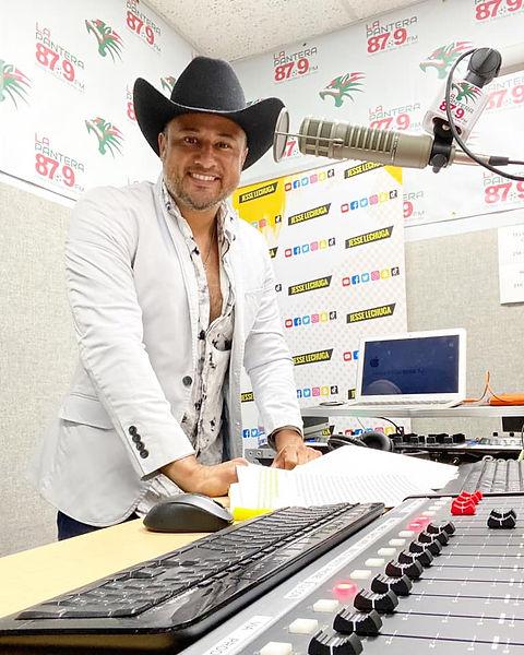LA PANTERA 87.9FM
