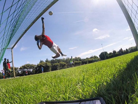 HOW TO START OUT AS AN OLDER GOALKEEPER