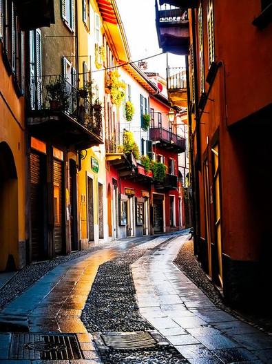 Bellagio's cute main street.