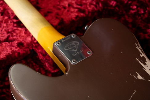 Diamond Heartbreaker In Vintage Burst, Medium Relic, RVT NEO Humbuckers Set, Solid Tortoiseshell Pickguard, Diamond Wood Collection, Blackface Original Headstock with Golden Silkscreen Logo.