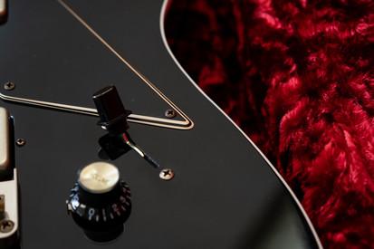 Diamond Heartbreaker NEO RB in Tuxedo Black, NOS (Aged), RVT Humbuckers, Madagascar Rosewood Fingerboard, Clay Dots, Blackface Original Headstock with Golden Silkscreen Logo.