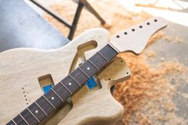 Korina Stinger Body, Maple Neck, Rosewood Fingerboard