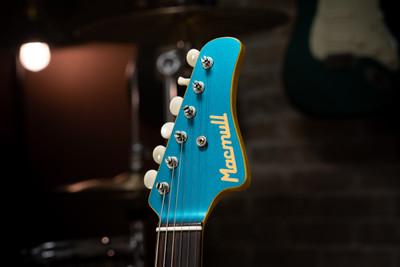 Stinger, Ice Blue, Matching Headstock