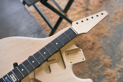 Alder S-Classic Body, Maple Neck, Rosewood Fingerboard, Original Headstock