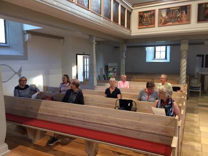 Probe in der Kirche