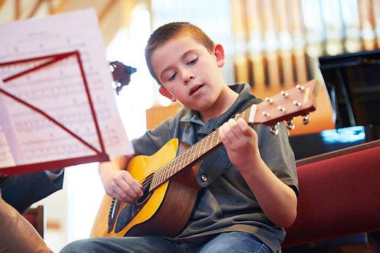 kids-children-guitar-lessons