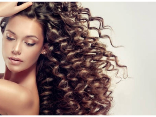 Frizzy Hair : Causes, Solutions & Home Remedies