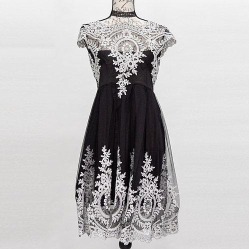0642 BLACK & WHITE DRESS