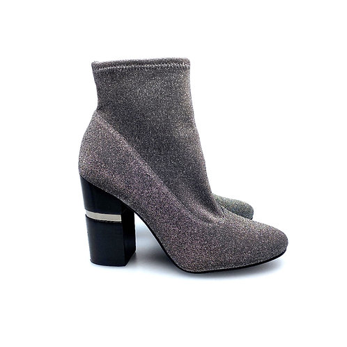 1006 MARC FISHER ANKLE BOOT