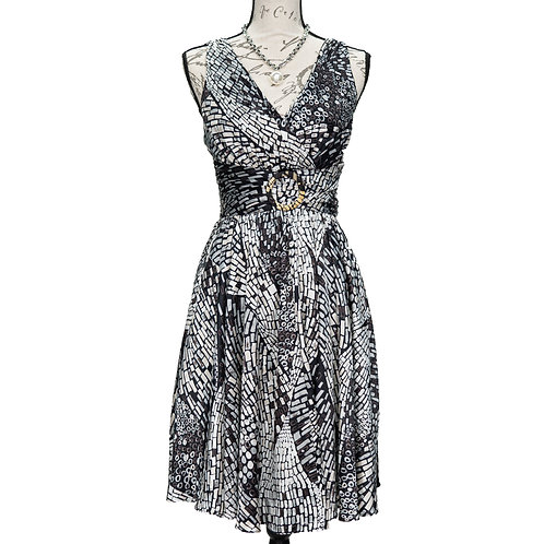 0970 WHITE HOUSE / BLACK MARKET DRESS