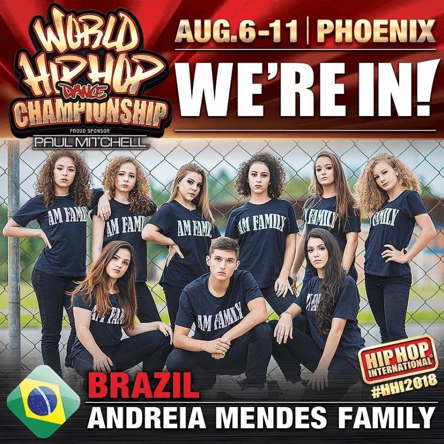 ANDREIA MENDES FAMILY- VARSITY. HHI