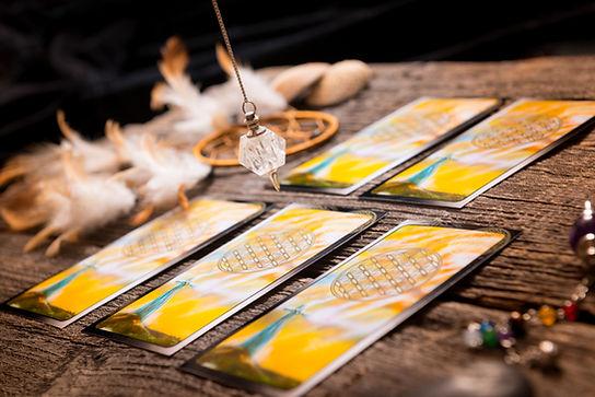 Card reading in Nimbin with Eala from Santosha Spirit healing