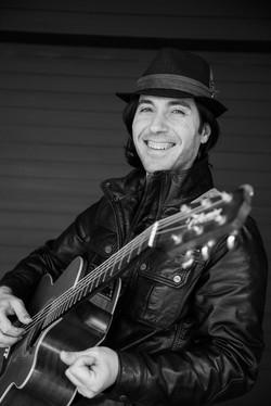 acousti-guitarist-for-hire