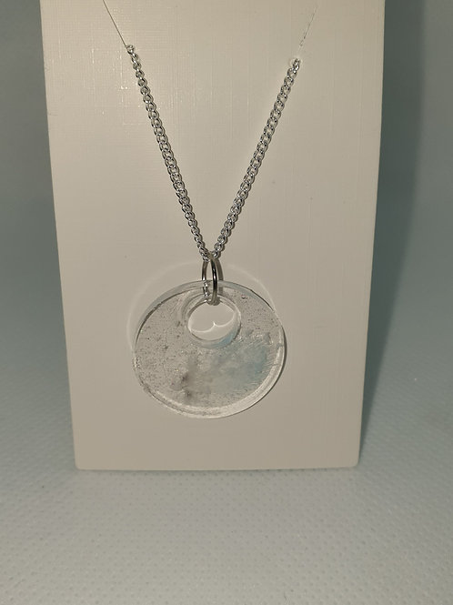 Round feather necklace