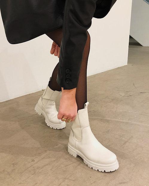 "Shoe Biz Copenhagen ""Prima White"""